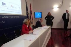 Potpisivanje-Ugovora-1